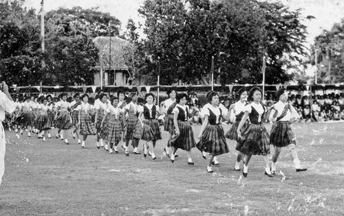 msia_ipoh_padang_marching_girls_1961