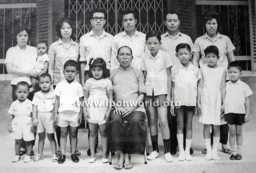 VNK & LEONG FAMILIES 1966